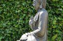 zittende-boeddha-tuinbeeld-antiek-zilver-donker-grijs-817xl-as-achter-2