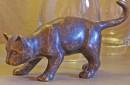 Bronzen poes beeld