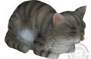 beeld-slapende-poesje-grijs