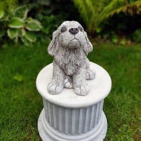 Tuinbeeld hond beton