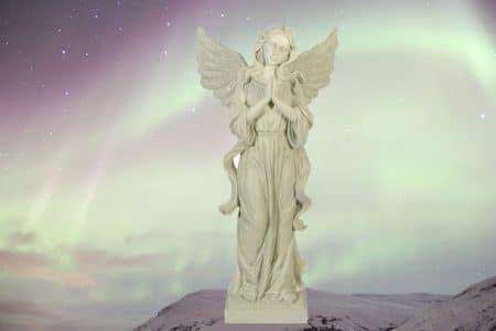 engel handen gevouwen